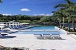 Отель Paradise Roundhill Villas-Montego Bay