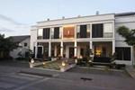 Отель Aruntara Riverside Boutique Hotel