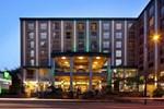 Отель Holiday Inn Vancouver Downtown & Suites