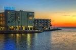 Отель Sailport Waterfront Suites