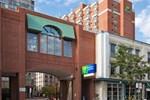 Отель Holiday Inn Express Toronto Downtown