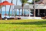 Отель Weekender Resort & Spa