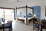Отель Aquarius Beach Hotel