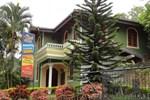Отель Nilmini Holiday Resort