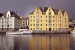 Отель Clarion Collection Hotel Bryggen