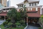 Отель The Legend Villas