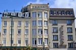 Отель Hotel A La Grande Cloche