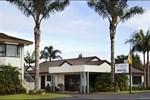 Отель Cypress Court Motel
