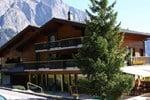Отель Hostellerie de l'Ardève