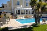 Отель Riviera Lodge Hotel