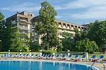 Отель Lotos Hotel - Riviera Holiday Club