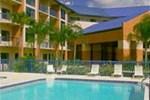 Отель Comfort Inn & Suites