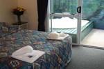 Отель Ascot On Fenton