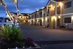 Отель New Castle Motor Lodge