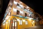 Отель Tantalo Hotel - Kitchen - Roofbar