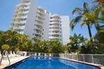 Апартаменты Surf Parade Resort