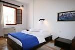Апартаменты Venetia Apartments