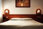 Отель Hotel Everest
