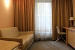 Отель Hotel V Ráji
