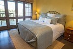 Отель Huntington Stables