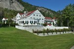 Отель White Mountain Hotel and Resort