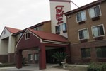 Отель Red Roof Inn and Suites Savannah Airport