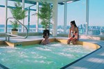 Отель Hampton Inn & Suites Vancouver Downtown
