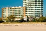 Апартаменты Kirra Surf Apartments