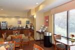 Отель Comfort Suites Lincoln East