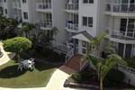 Отель Pelican Cove Apartments