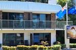 Отель Bay Sands Motel