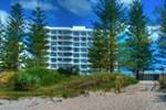 Апартаменты Solnamara Beachfront Apartments