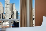 Отель SpringHill Suites Chicago Downtown River North