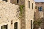 Отель Moni Emvasis Luxury Suites