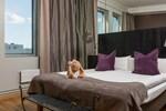 Отель Hotel by Maude