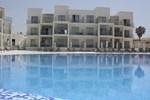 Отель Amphora Hotel & Suites