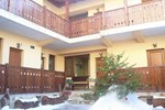 Гостевой дом Kadeva House