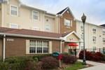 Отель TownePlace Suites Tampa North I-75 Fletcher