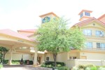 Отель La Quinta Inn & Suites Houston Bush IAH South