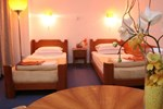 Отель Hotel Slavija