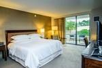 Отель Sheraton Tampa East Hotel