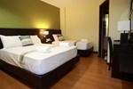 Отель Lorenzzo Suites Hotel