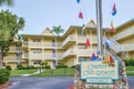 Отель Charter Club Resort Of Naples Bay
