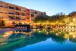 Отель Hotel Club Le Capet