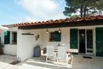 Апартаменты Holiday Home Entre Collines Et Plage Saint Maxime