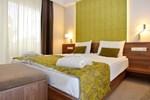 Отель Imola Hotel Platán