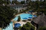 Отель Travellers Beach Hotel