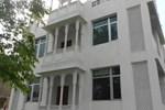 Отель Chit Chat Palace