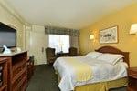Отель Edgewater Inn and Suites