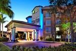 Отель Paradise Coast Hotel and Suites